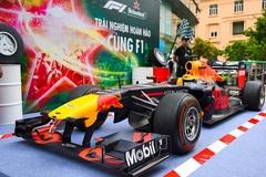 """Cận cảnh xe đua F1 """"đại náo"""" Việt Nam"""