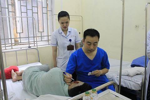 Nam thanh niên Hà Nội bị cắn mất tai khi đang nhậu với bạn