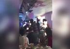 Khách dự đám cưới hỗn loạn vì cô dâu tung bó hoa
