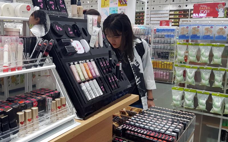 Hàng đồng giá Nhật, Hàn: Cơn sốt giới trẻ Việt