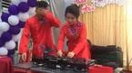 Bạn bè 'quẩy' nhiệt tình khi cô dâu chơi DJ trong đám cưới