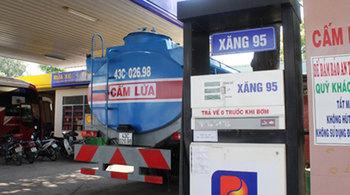 Khai tử xăng RON 95, chỉ bán xăng sinh học: Không nước nào làm thế
