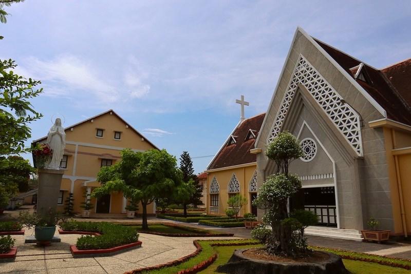 Dinh Thượng Thơ,Nhà thờ Thủ Thiêm,Dòng Mến Thánh giá Thủ Thiêm,Thành phố Hồ Chí Minh,Khu đô thị Thủ thiêm,Di tích lịch sử,Di sản văn hóa