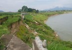 Chưa nghiệm thu, kè trăm tỷ chống sạt lở đã sụt xuống sông Lô