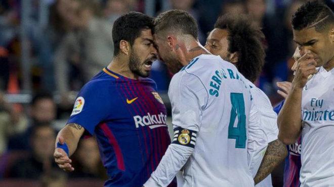 Dư âm Siêu kinh điển: Ramos tố Messi 'chơi bẩn' với trọng tài