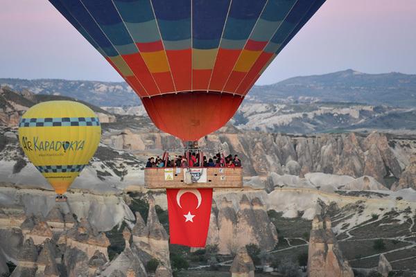 Cappadocia - Điểm bay khinh khí cầu đẹp nhất thế giới