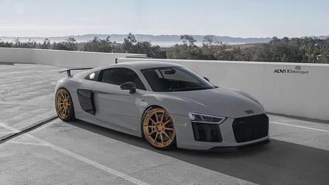 """Ngắm xe độ """"trang điểm"""" nhẹ từ siêu xe Audi R8 Plus"""