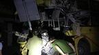 Xe container đâm xe khách, 2 người chết, 4 người nước ngoài bị thương