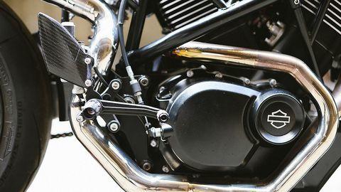 Xe độ tracker hiệu năng cao từ bản Harley-Davidson Street 750