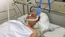 Con gái tai nạn nguy kịch, mẹ đau đớn lo kiếm từng đồng