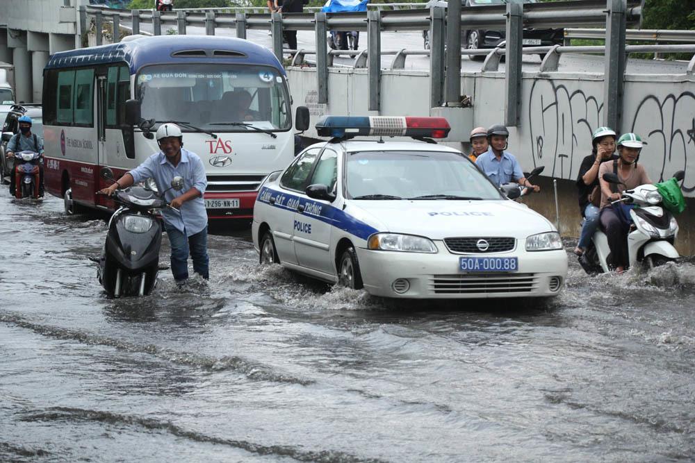 ngập nặng,mưa lớn,sài gòn,Sài Gòn ngập