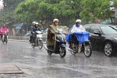 Dự báo thời tiết 8/5: Hà Nội tụt 10 độ, chuyển mưa rào