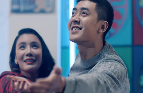 Hồ Quỳnh Hương sexy táo bạo, cận kề hàng loạt trai trẻ