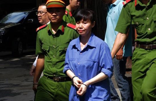 Thợ hớt tóc 'mượn' hàng trăm tỉ của nữ đại gia Sài Gòn