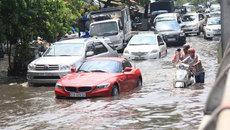 Kinh nghiệm lái xe mùa mưa và cách xử lý khi ô tô bị ngập nước