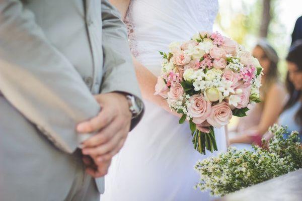 Cha mẹ hai bên là anh em họ, kết hôn có được không?