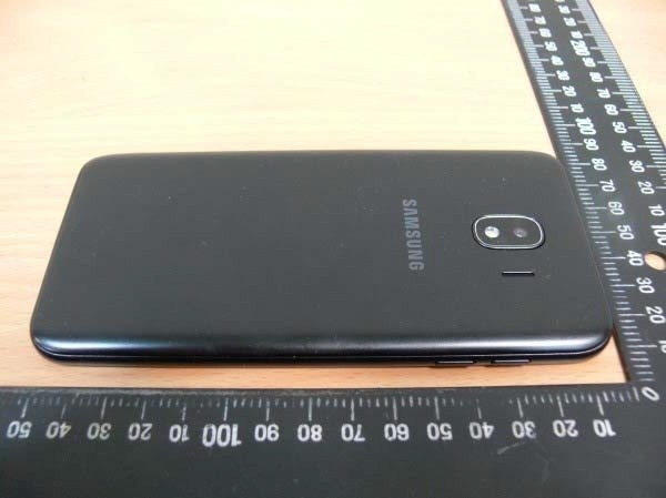 Samsung Galaxy J4: mẫu smartphone rẻ nhất dòng máy Galaxy J
