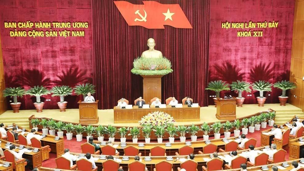 Trần Cẩm Tú,Hoàng Văn Trà,Hội nghị Trung ương 7,Trung ương 7