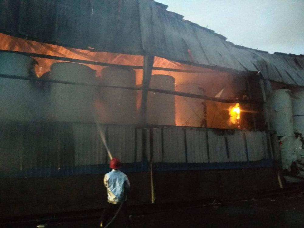 cháy lớn,Sài Gòn cháy lớn,cháy công ty giấy,Sài Gòn