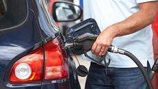Thói quen nhiều người mắc phải khi đổ xăng khiến ôtô dễ dàng cháy nổ