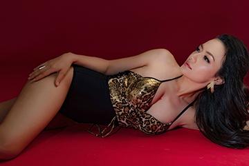 Tinna Tình ra album 'Đừng gọi tôi là gái hư'
