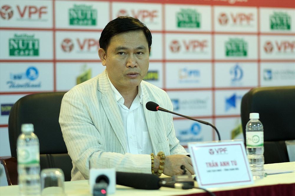 V-League,VPF,bầu Tú,HAGL,Dương Văn Hiền