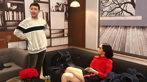 Không đóng phạt tiền, Hương Giang bị Trấn Thành 'đuổi' ra khỏi trường quay