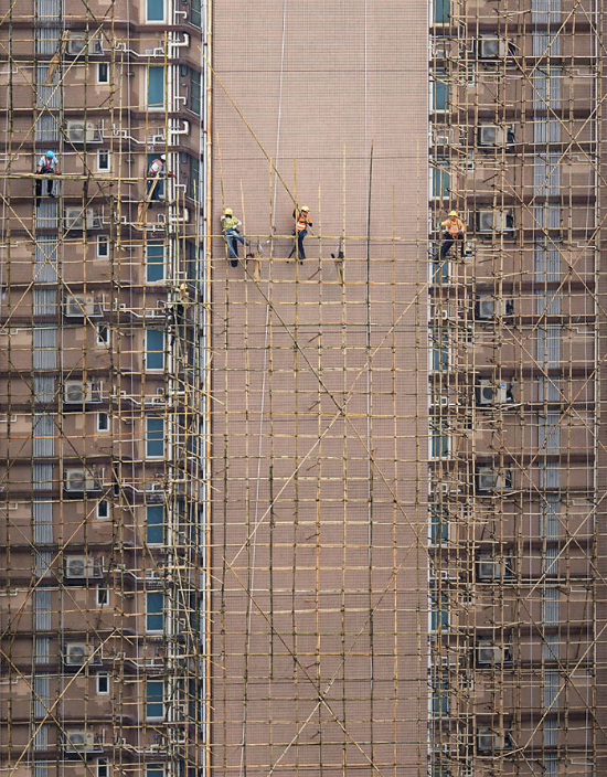 Tò mò cảnh sinh hoạt trên gác thượng của người dân Hong Kong