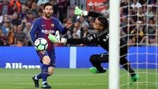 Messi lập công, Barca nhấn chìm