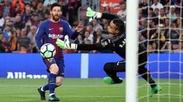 """Messi lập công, Barca nhấn chìm """"Tàu ngầm vàng"""""""