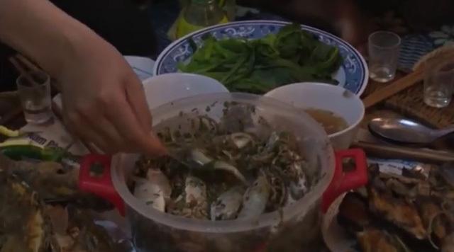 Kinh hãi món 'cá nhảy' tanh tách trong cổ họng dân nhậu ở Sơn La