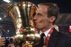 Juventus đè bẹp Milan, Allegri sang Arsenal tiêu tiền