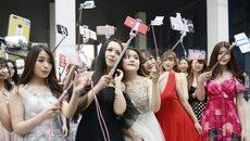 Dàn người đẹp trong 'lò' luyện sao mạng lớn nhất TQ