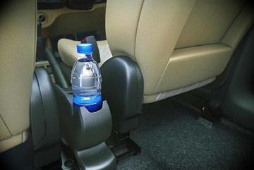 Chai nước lọc để trong xe ô tô cũng có thể 'lấy mạng tài xế' vì lý do này