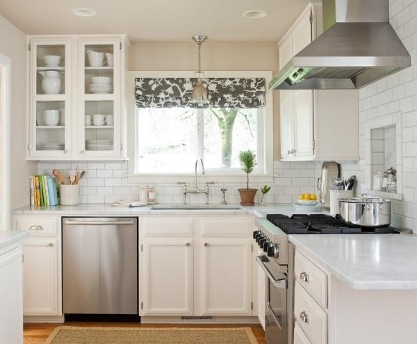 Gợi ý làm mát nhà bếp mùa Hè nhờ khéo chọn màu rèm cửa