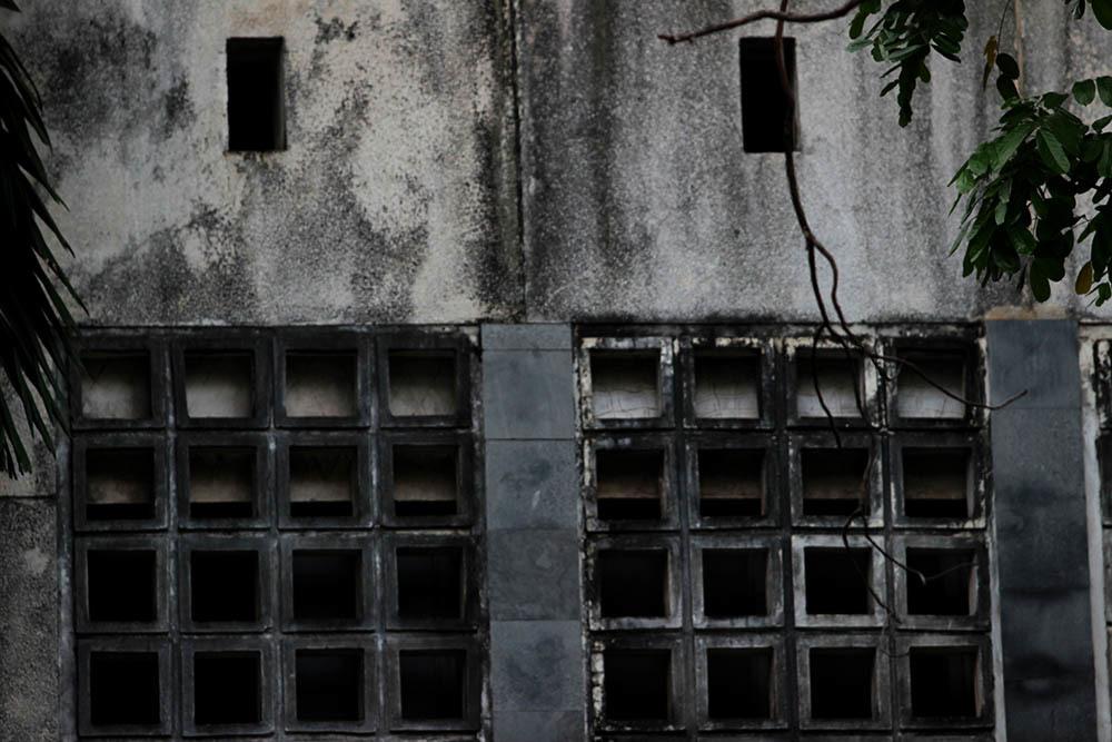 Hà Nội: Hình ảnh bên trong căn nhà hoang lạnh số 300 Kim Mã