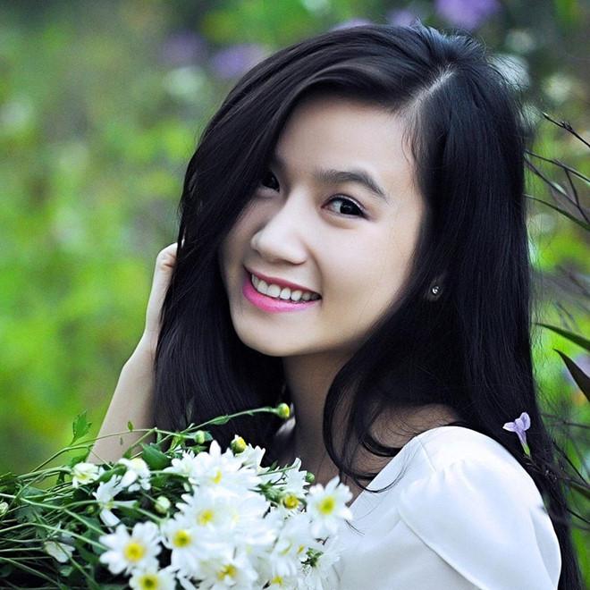 Vẻ đẹp mặn mà, tươi trẻ của Lương Giang