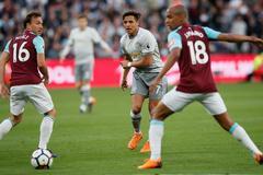 Phung phí cơ hội, MU bị West Ham níu chân