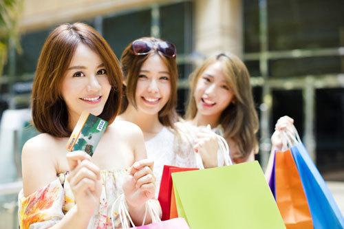 Nhiều ưu đãi cho chủ thẻ quốc tế HDBank