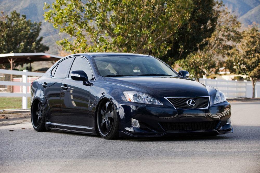 Lexus làm ăn bi bét, 3 tháng liên tiếp kinh doanh chật vật