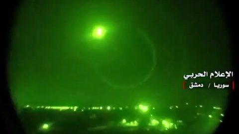 phòng không Syria chặn tên lửa Israel