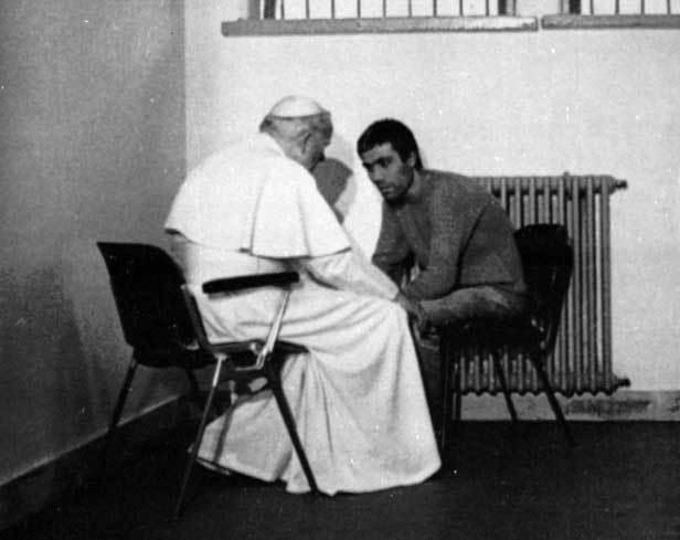 Ngày này năm xưa: Giáo hoàng John Paul II bị ám sát hụt