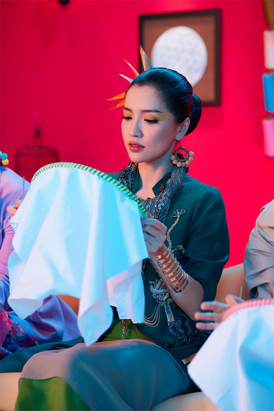 'Cuộc chiến' giữa Bích Phương và Sơn Tùng chính thức bắt đầu