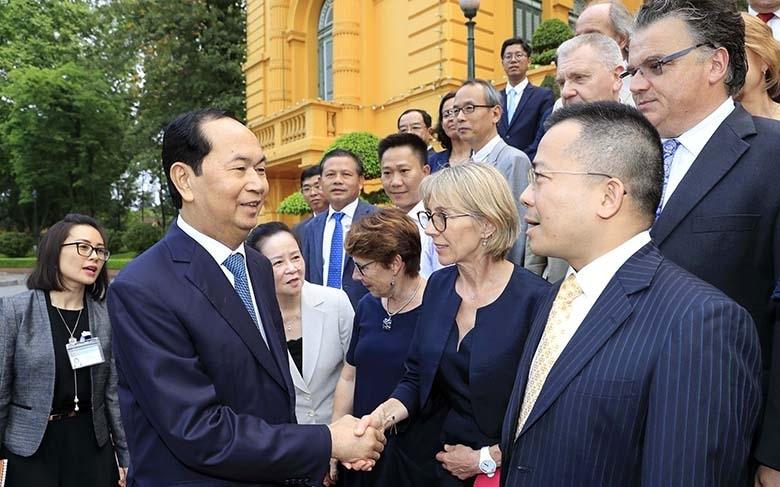 Chủ tịch nước gặp mặt thân mật các nhà khoa học