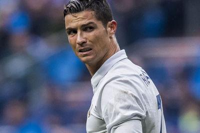 Ronaldo châm ngòi nổ rời Real trước chung kết C1 với Liverpool