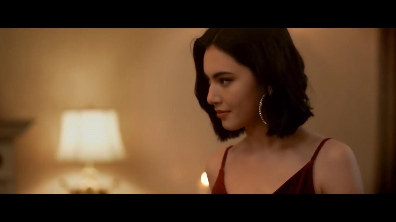 Mỹ nữ Thái Lan đẹp không góc chết trong MV 'Chạy ngay đi' của Sơn Tùng