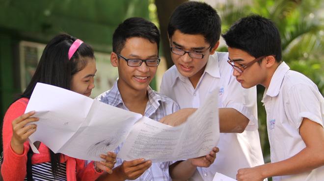 Ôn thi tháng cuối, học sinh lo lắng đề dài, khó gấp đôi
