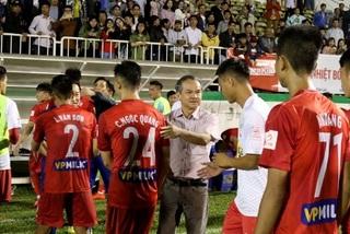 """Bầu Đức nhắn tin """"đuổi"""" ngoại binh trận HAGL vs Hà Nội"""