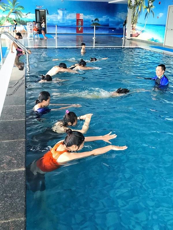 Huấn luyện viên,Bơi lội,Góc khuất nghề
