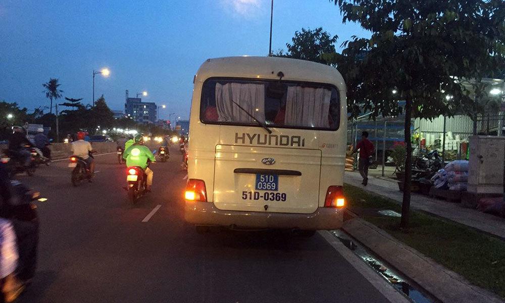 Xe biển xanh cán chết nữ công nhân ở Sài Gòn